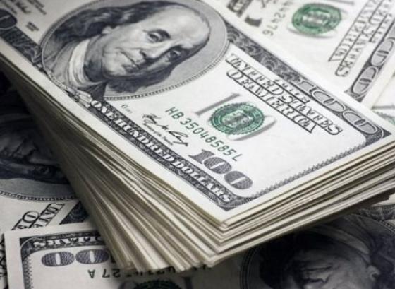 Доллар укрепляется,