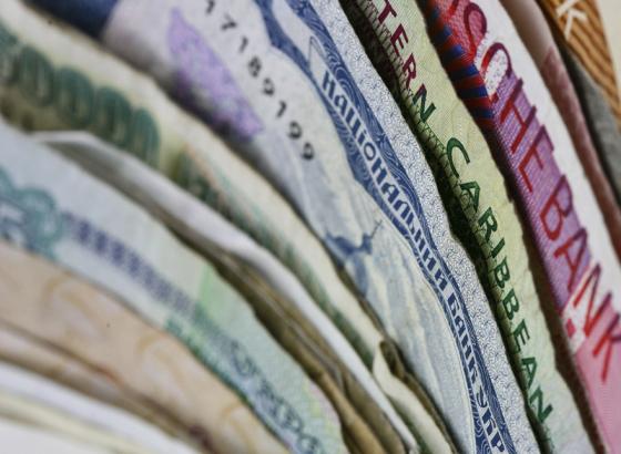 23 августа: рубль