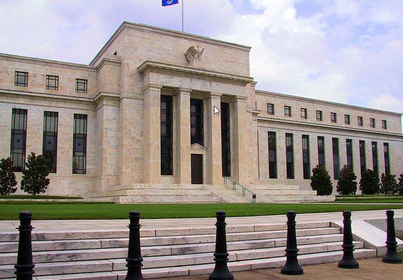 Россия сидит на игле ФРС
