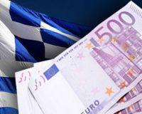 Греки массово забирают