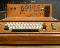 Apple-1 продан за 400