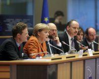 Меркель: Европу ждут