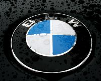 Продажи BMW достигли
