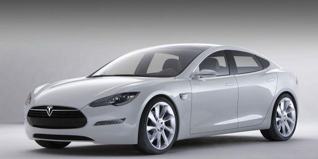 Акции Tesla упали из-за
