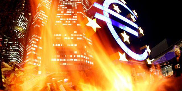 Евро осталось всего пять