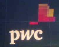 PwC: политику Японии