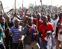 Новые забастовки в ЮАР