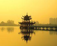 Экономике Китая угрожает