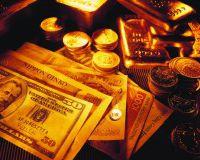 Золото дешевеет после