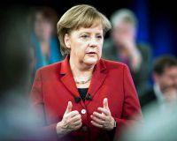 Ангела Меркель начала