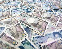 Доллар поднялся выше 100