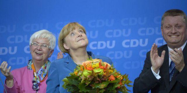 Меркель вновь возглавит