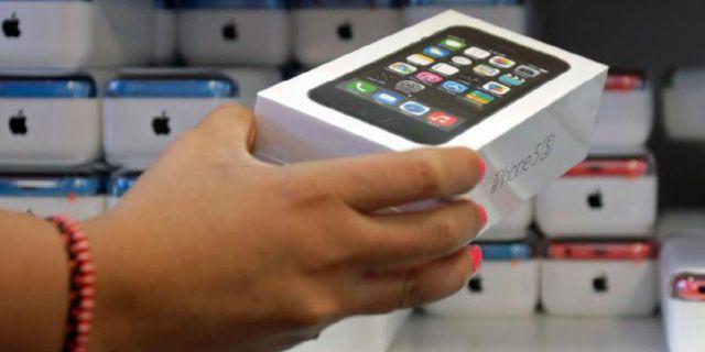 Продажи новых iPhone в