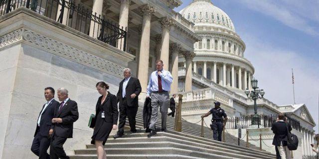 Конгресс США снова не