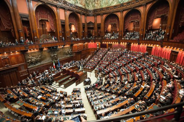 Парламент Италии одобрил
