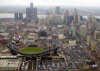 Мэр Детройта призывает