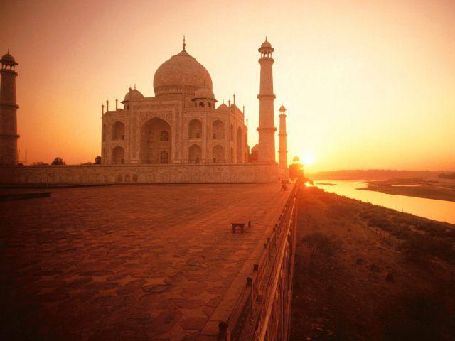 EY: Индия становится
