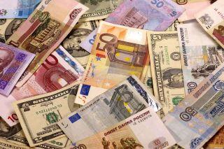 Рубль поддался панике