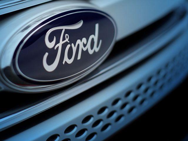 Прибыль Ford рухнула на