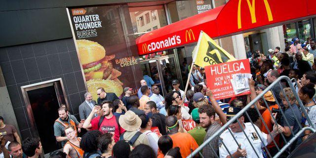 McDonald #39;s заплатила
