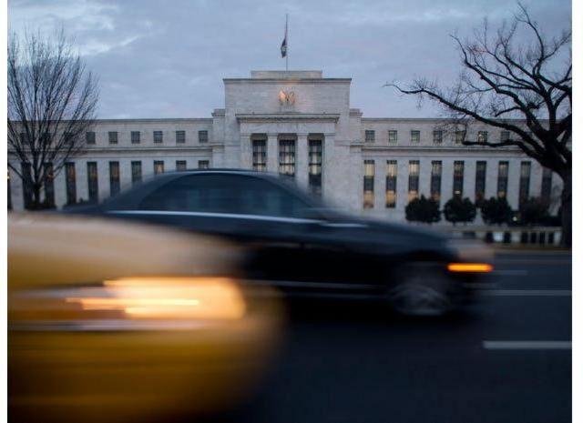 ФРС США продолжает