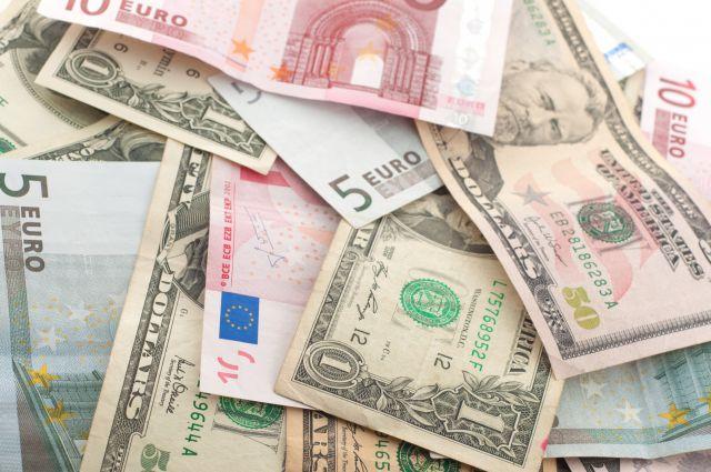 Доллар и евро слабо