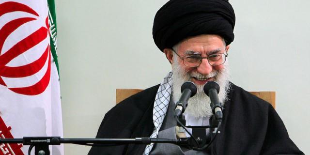 Иранский аятолла за