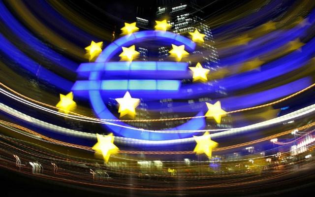 ЕЦБ увеличивает объемы