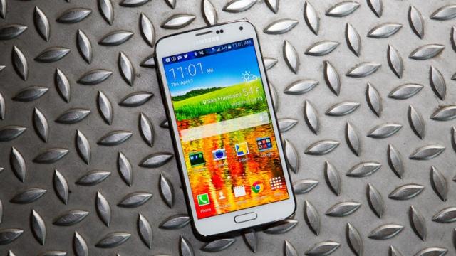 Продажи Galaxy S5 не