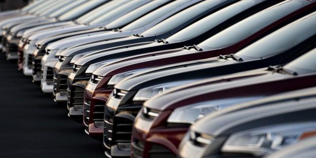 Продажи автомобилей в