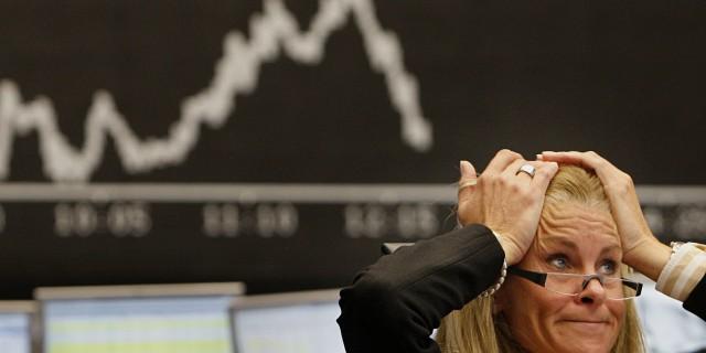 Почему падал рубль?