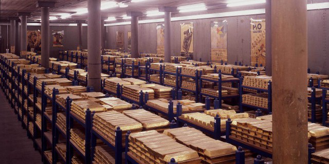 Куда пропало золото США: