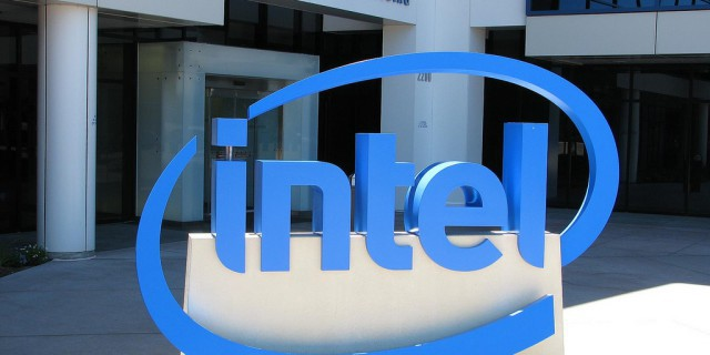 Чистая прибыль Intel