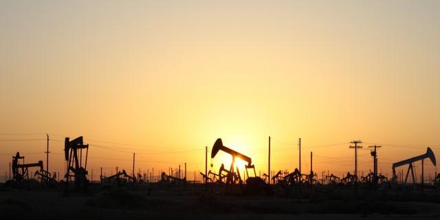 Цена на нефть продолжает