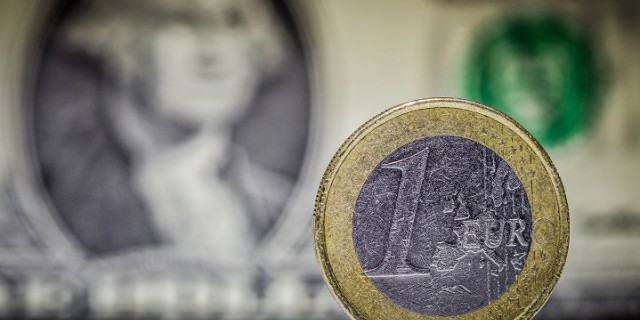 Евро и доллар: 1,05