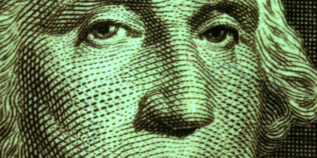 Доллар подорожал на фоне