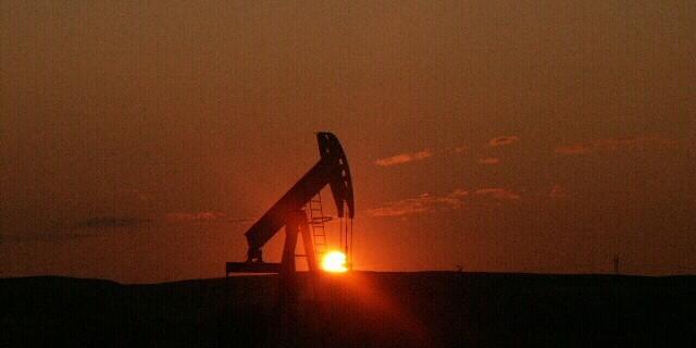 Нефть. Установок меньше,