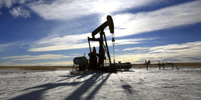 Цены на нефть слабо