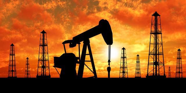 Нефть незначительно