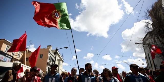 Португалия разместила