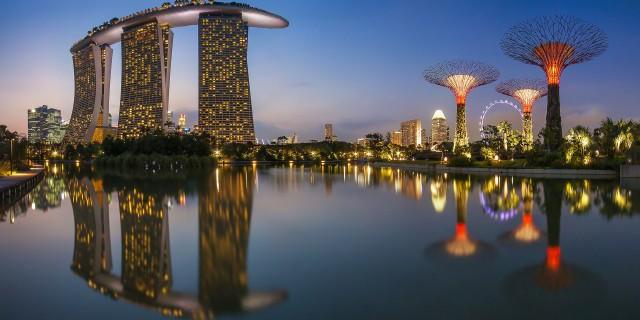 В Сингапуре продолжается