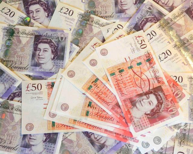 Британский фунт стал