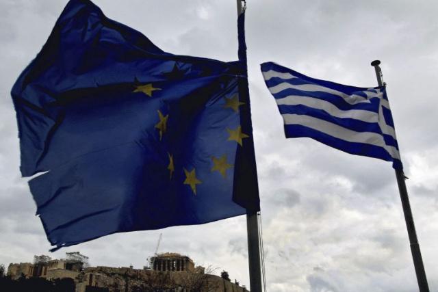Markit: Греция замедляет