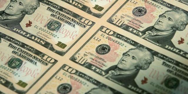 На долларовых купюрах