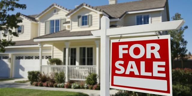 Иностранцы скупили жилье