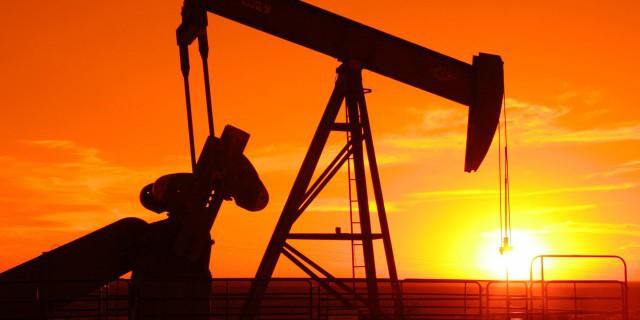 Нефть стабильна в