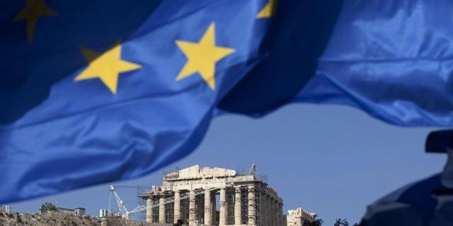 Опрос: Греция останется