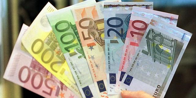Рост евро к доллару