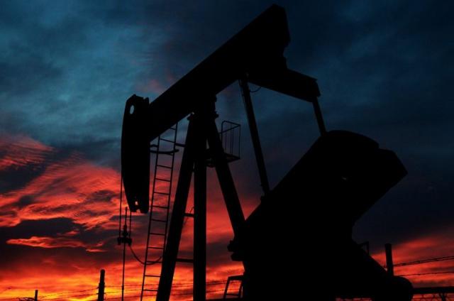 Нефть упала до