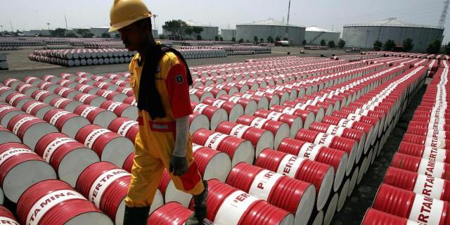 Нефть дорожает в